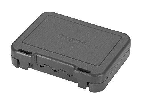 Gardena Winterschutzbox für Kabel: Aufbewahrungsbox schützt die Kabelenden des Mähroboter-Begrenzungskabels, Kunststoff-Box für Witterungsschutz, Mähroboter Zubehör (4056-20)