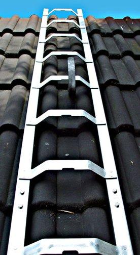 Dachleiter Aluminium 4,88 m Dachdeckerauflegeleiter 18 Sprossen, gewölbte Bremer Sprosse, nach BGR 203