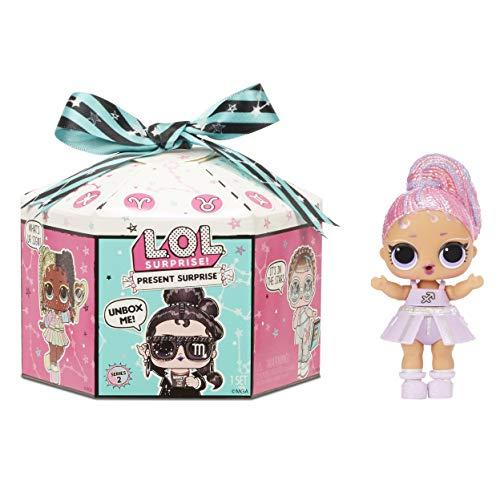 L.O.L. Surprise! 572824EUC Überraschungsgeschenk Serie 2 - 8 Überraschungen im Inneren - Glitzerschimmer, Puppe mit Sternzeichenmotiv und Zubehör - lustiger Farbwechseleffekt - Sammlerstück