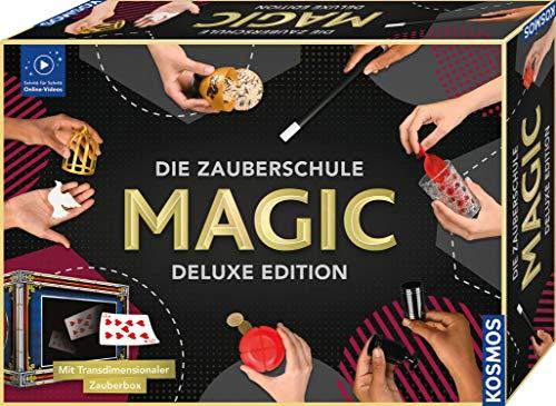KOSMOS Die Zauberschule MAGIC Deluxe Edition, inkl. Transmediale Zauberbox, 111 Zauber-Tricks, Zauberkasten für Kinder ab 8 Jahre und Erwachsene, Online-Erklär-Videos, bebilderte Anleitung, alle Level